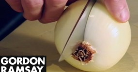 How to Finely Cut Onions
